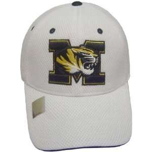 MISSOURI TIGERS OFFICIAL NCAA LOGO ONE FIT PERFORMANCE HAT