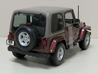 Jeep Wrangler Sahara Diecast Model Truck   Maisto   NIB   118 Scale