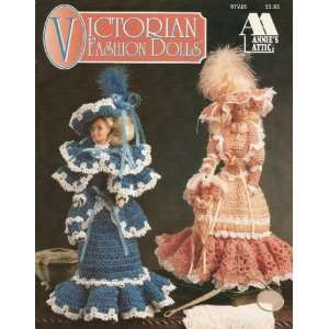Fashion Dolls   Crochet (Annies Attic, 87V26) Miriam Dow Books