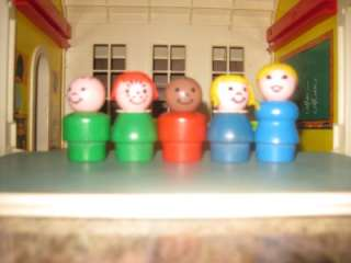 VINTAGE FISHER PRICE LITTLE PEOPLE SCHOOL HOUSE #923
