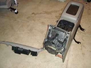 03 06 05 AVALANCHE TAHOE SILVERADO yukon CENTER CONSOLE grey glove box