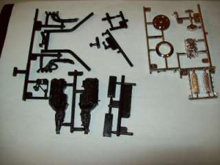 LOT OF 2 FORD SMALL BLOCK ENGINES 1/24 SCALE UNBUILT