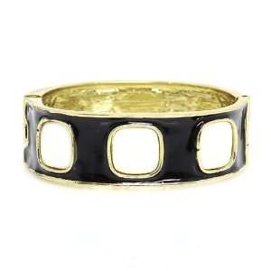 Diameter; Gold Metal; Black And Beige Epoxy Resin Coat; Clasp Closure