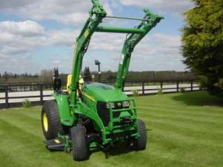 Compact Tractor   John Deere 3320, 32.5hp, mower, loader, & turf tyres