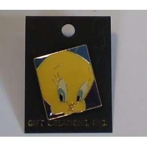 Vintage Enamel Pin  Looney Tunes Tweety