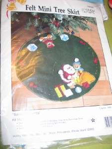 Hobby Kraft Santas Presents Felt Sequin Mini Christmas Tree Skirt Kit