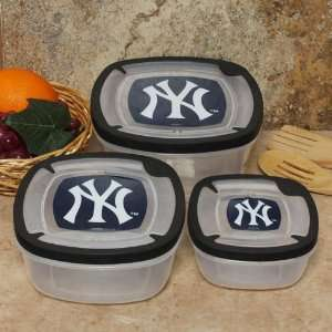 Three (3) Square Plastic Food Storage Containers Sports & Outdoors
