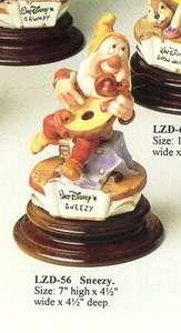 Disney Capodimonte Laurenz Snow White Sneezy Mandolin