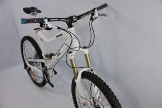MONGOOSE TEOCALI SUPER LARGE WHITE 2011 EX DISPLAY FULL SUSPENSION