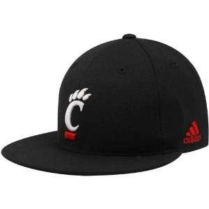 NCAA adidas Cincinnati Bearcats Black Basic Logo Fitted Hat