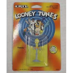 1989 Looney Tunes Tweety Bird Die Cast Figure: Toys & Games