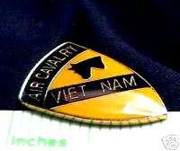 VIETNAM US ARMY 1ST CAVALRY DIVISION AIR CAVALRY PIN