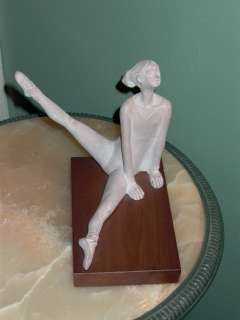 Austin Prod Inc 1978 Sculpture Statue Ballerina Dancer