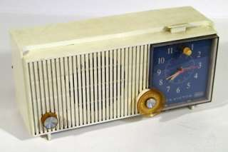 Vintage 1960s RCA Victor Tube Clock Radio Model RFD15V