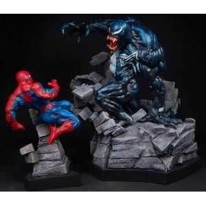 Bowen Designs Spider Man vs. Venom statues Set Toys & Games